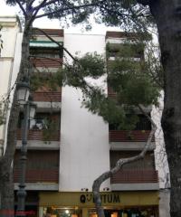 EDIFICIO DE VIVIENDAS, LOCALES Y OFICINAS