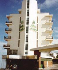 ESTACIÓN DE AUTOBUSES Y HOTEL