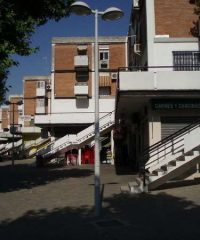 Edificio de viviendas, oficinas y comercios en c/ Pontevedra
