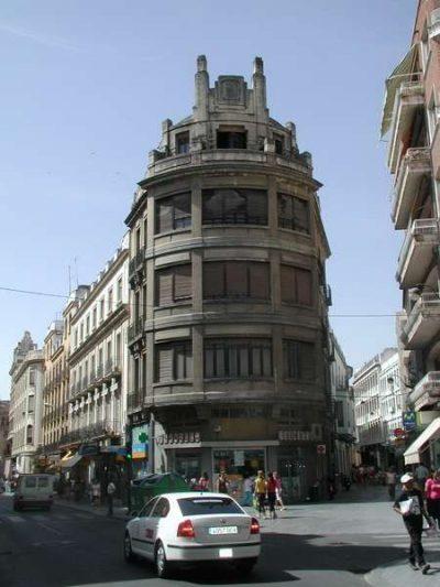 Edificio de viviendas en c/ Historiador Díaz del Moral, 8.