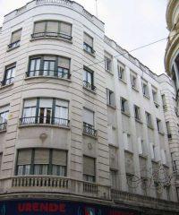 Edificio de viviendas en c/ Manuel de Sandoval, 1, esquina c/ Cruz Conde